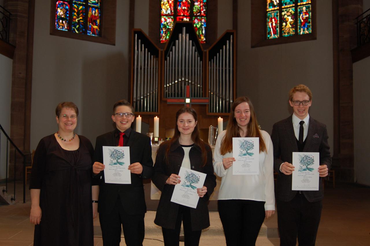 Chorsängerehrung für langjähriges Singen am Sonntag Kantate 2017